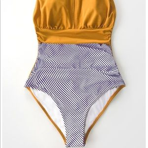 Cupshe Swim - Stylish, one piece bathing suit